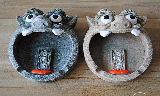批发 大嘴巴树脂烟灰缸创意家居摆件石敢当树脂新奇礼品烟灰缸