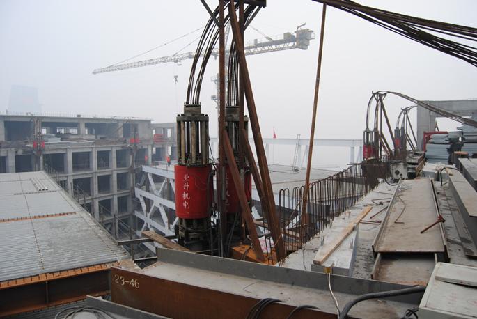 液压提升钢结构
