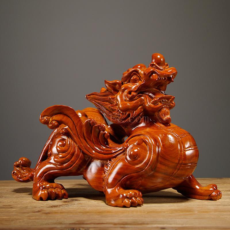 花梨木雕刻貔貅摆件