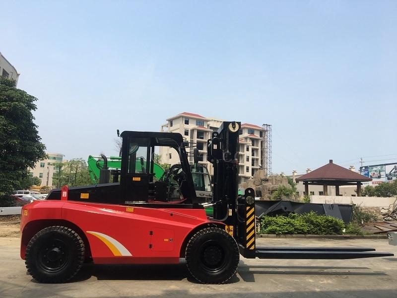 甘肃12吨叉车定制 华南重工