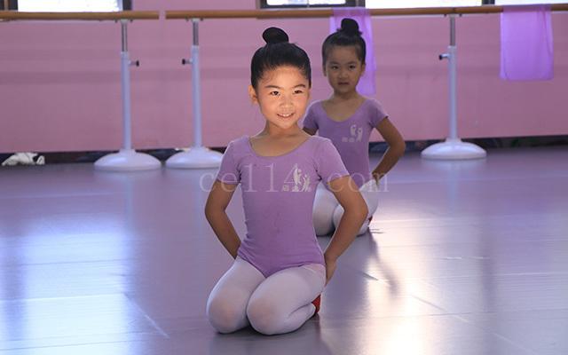 泉州舞蹈形体练习