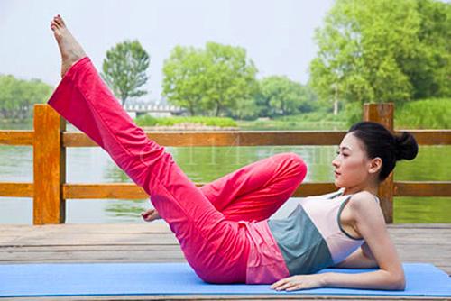 产后瑜伽多久可以做?这几个动作千万别做!
