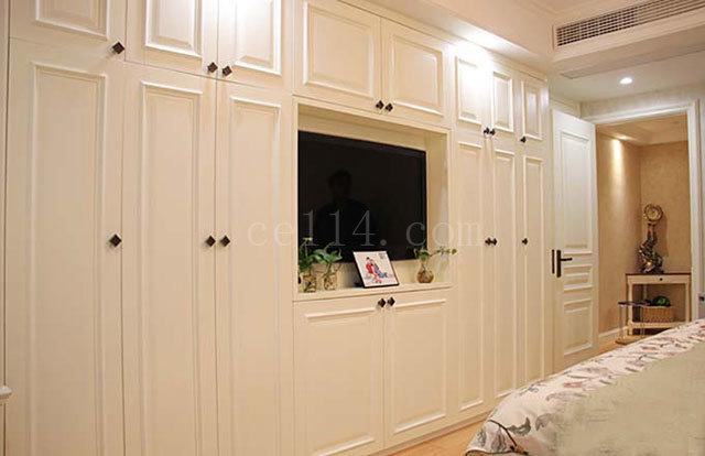 白色衣柜的清洁方法